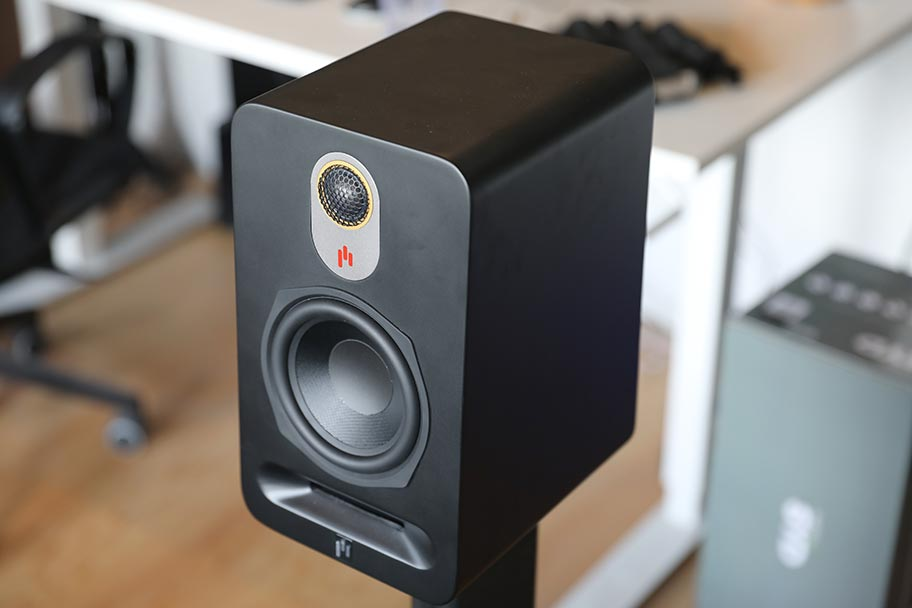 Aperion Audio Novus Bookshelf Speakers | The Master Switch
