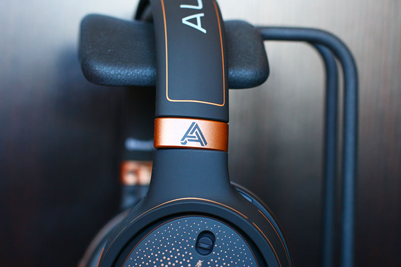 AUDEZE Mobius Gaming Headset | The Master Switch