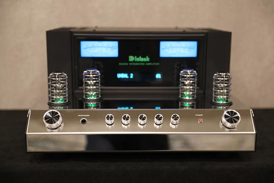 McIntosh Stereo Amp | The Master Switch
