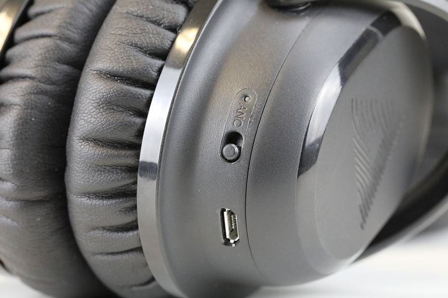 Audeara A-01 wireless headphones noise-canceling | The Master Switch