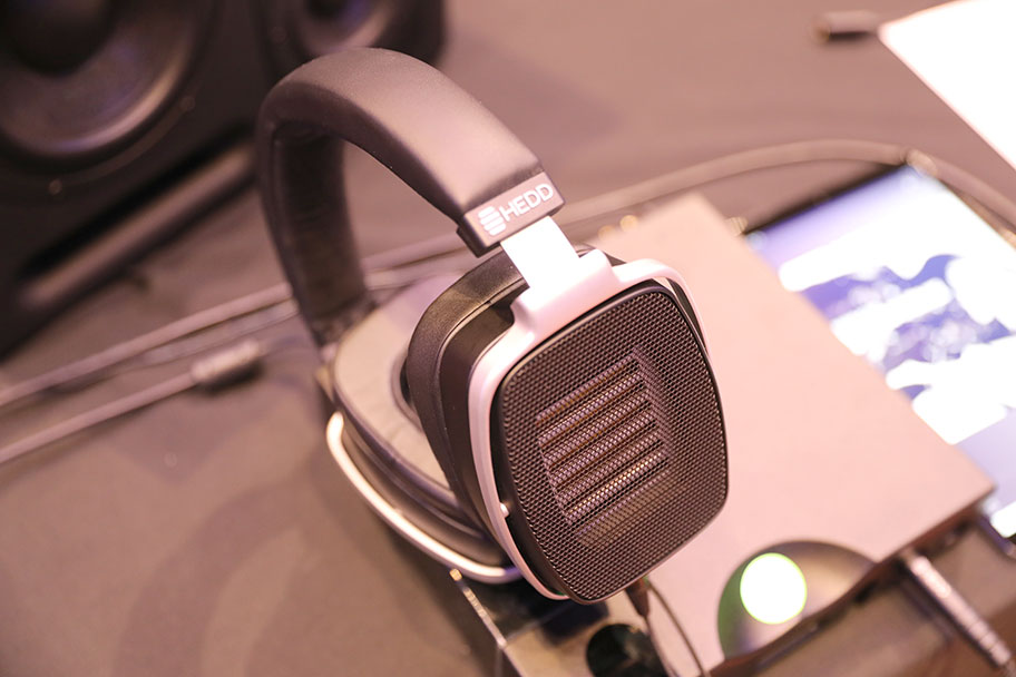 HEDD Audio HEDDPhones High-End Headphones | The Master Switch