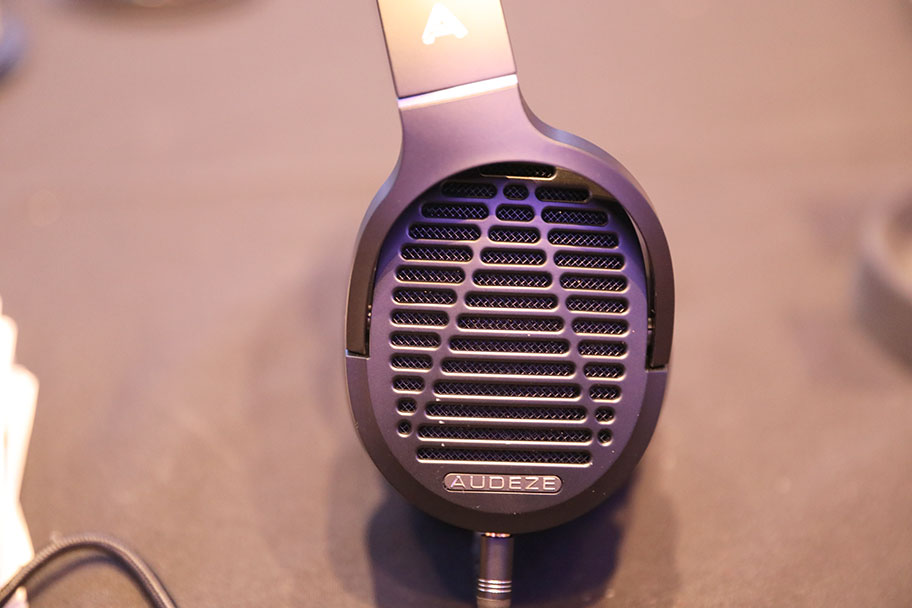 AUDEZE LCD-1 High-End Headphones | The Master Switch