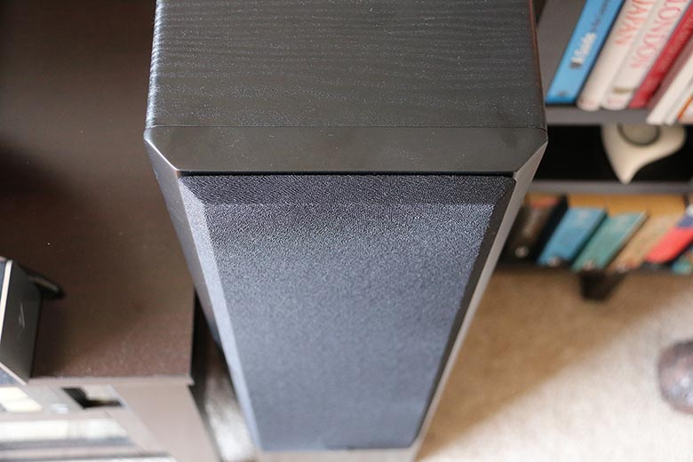 Review SVS Prime Towers