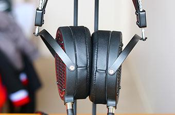Review: AUDEZE LCD2C Headphones