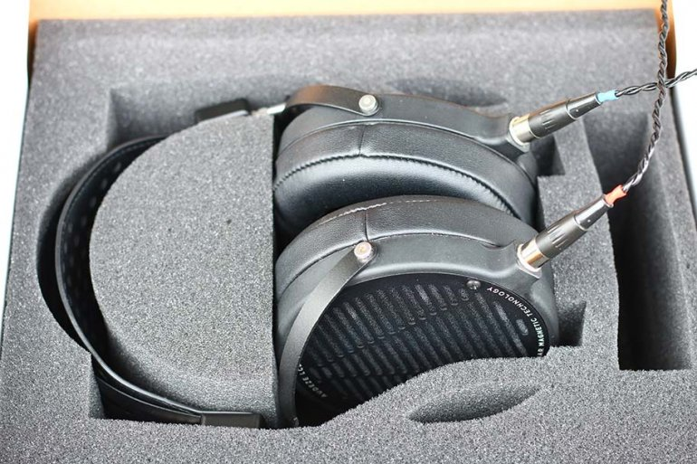 The LCD2C loses the hard travel case of the original | The Master Switch