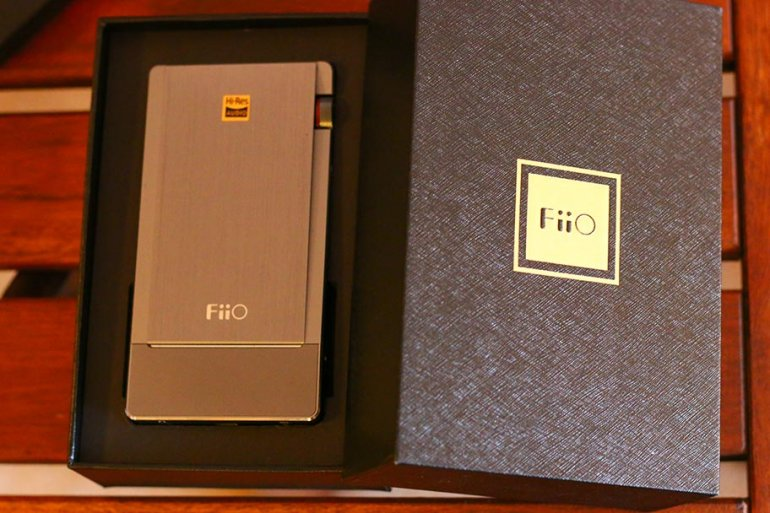 Review: FiiO Q5 | The Master Switch