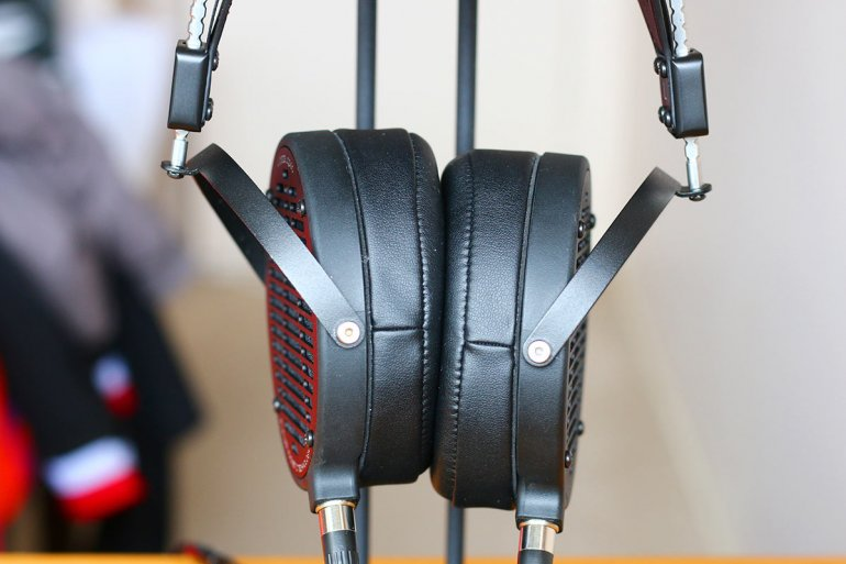 Get the AUDEZE LCD2Cs if you want increased bass response | The Master Switch