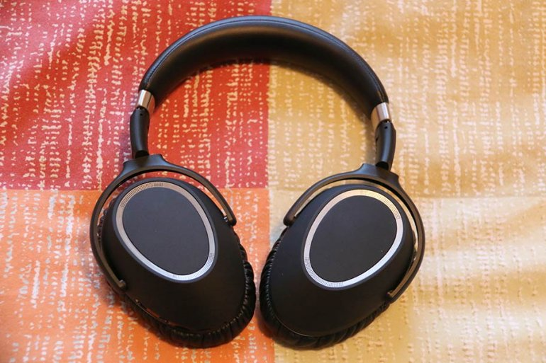 The Sennheiser PXC 550s are an alternative - a poor one | The Master Switch