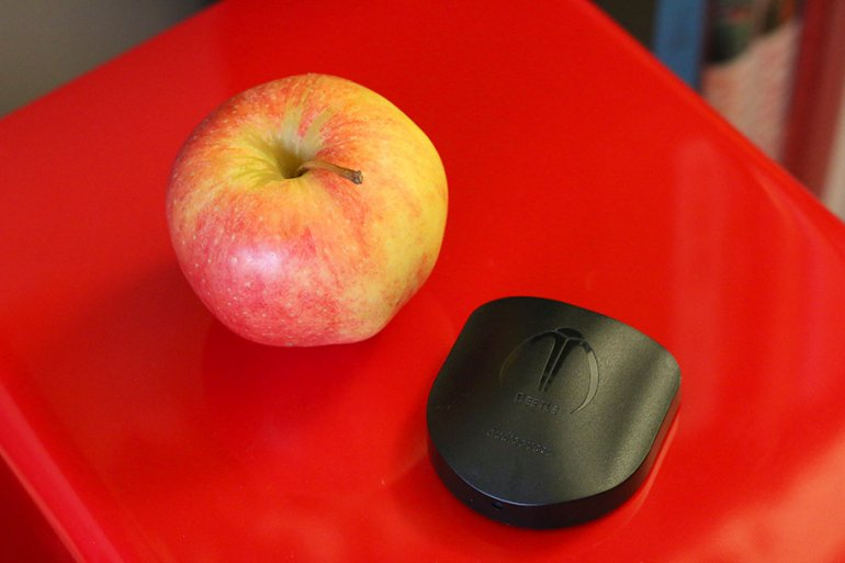Apples. Tasty, and useful for size comparison | The Master Switch
