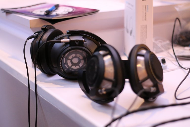 The Sennheiser HD800 with the upcoming upgrade, the HD820 | The Master Switch