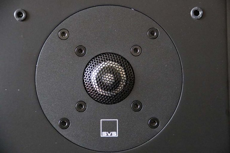 "A 1"" tweeter caps the speakers' driver compliment 