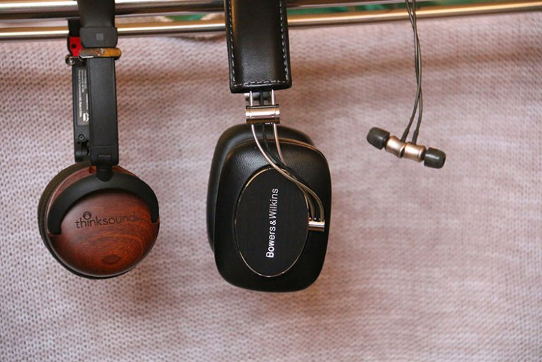 Thinksound On2, B&W P7 Wireless, MEZE 11 Neos | The Master Switch