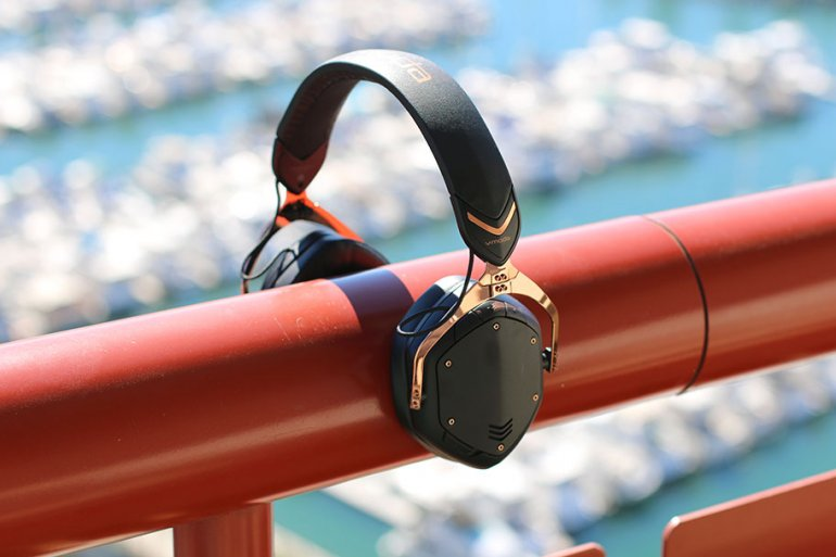 V-Moda Crossfade Wireless 2 | The Master Switch