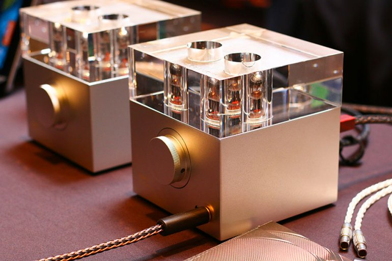 The Woo Audio WA7 is the best tube amp available | The Master Switch